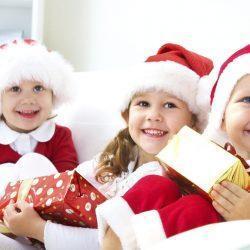 Детки в новогодних костюмах