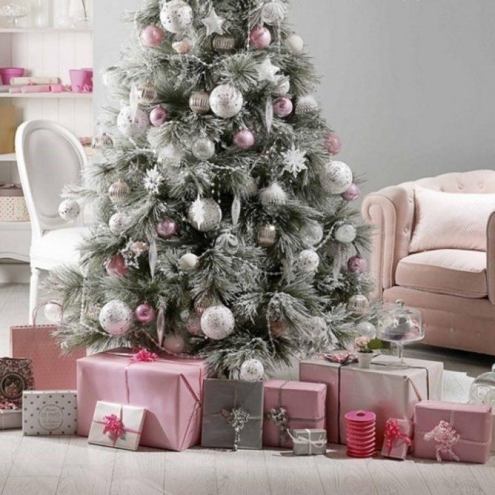 Искуственое новогоднее дерево