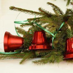 Новогодние колокольчики на еловой ветке - готовимся к Новому году!